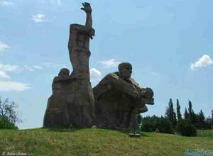 Главный раввин России Берл Лазар откроет новую памятную доску в Змиевской балке в Ростове