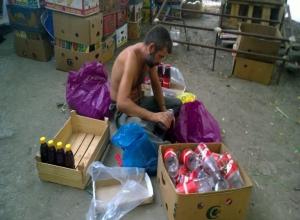 Полуголый мужчина на задворках рынка перевернул представление ростовчан о полезности свежевыжатого сока