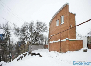 В Ростове жильцы дома, находящегося на грани обрушения, скитаются по гостиницам