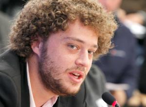 Известный московский блогер Варламов вмешался в «забавный спор быдла» и послал ростовчан в метро