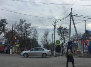 В Константиновске Ростовской области установили первый светофор в городе