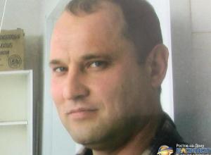 В Ростове разыскивают мужчину с татуировкой кобры на плече
