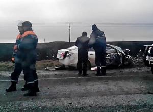 В Ростовской области в ДТП с тремя машинами разбились семь человек. Фото, видео