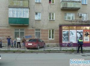 В Таганроге иномарка вылетела на тротуар и сбила 11-летнего мальчика