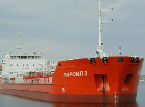 Обманутые моряки два месяца выживают на судне в порту Ростова