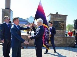 Флаг Союза городов воинской славы  из Ростова перешел в Грозный
