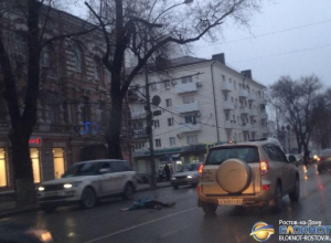 В центре Ростова сотрудник полиции насмерть сбил женщину-пешехода. Фото