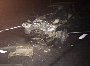 Водитель легковушки погиб в жутком ДТП со стоящим на светофоре КамАЗом в Ростовской области