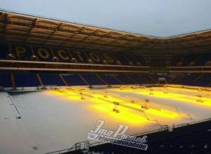 Желтая подсветка снега на «Ростов-Арене» разыграла бурную фантазию жителей Дона