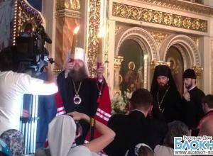 В Ростов-на-Дону прибыл благодатный огонь