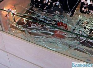 В Ростовской области вооруженные преступники похитили из ювелирного салона украшения на 7 млн