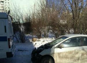 Издевательство над припаркованной во дворе Ростова иномаркой устроили «ночные разбойники»