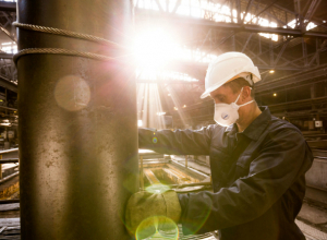 Около 90% ожога всего тела получил рабочий во время аварии на электродном заводе под Ростовом