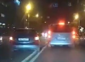 Спешивший в туалет ростовский автовладелец едва не проехал по людям