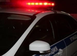 В Ростове 24-летняя водитель врезалась в дерево: один погиб, трое в больнице