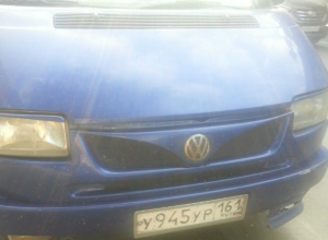 Озверевшие водители маршрутки выгнали из салона сделавшую им замечание пассажирку в Ростове