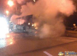 В Ростове сгорел пассажирский автобус, следовавший по маршруту № 7. Видео
