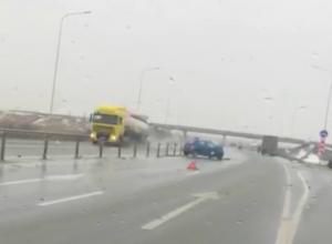 Обрушившаяся на Ростовскую область непогода «заморозила» движение общественного транспорта по донской трассе