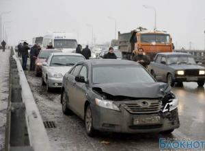В Ростове за ДТП на Темерницком мосту уволили директора комбината благоустройства Ленинского района