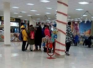 Слухи о запрете посещения торговых центров подростками обеспокоили ростовчан