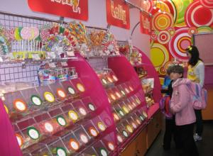 В преддверии Дня знаний в ростовских гипермаркетах резко выросли продажи сладостей