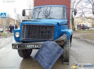 В Новочеркасске в ДТП с военными пострадало 4 человека