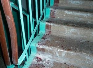 Пенсионера МВД избили из-за полутора тысяч рублей в центре Ростова