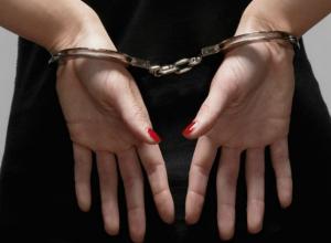 Воспользовавшись доверчивостью своего друга, бывшая наркоманка обокрала его дом в Ростовской области