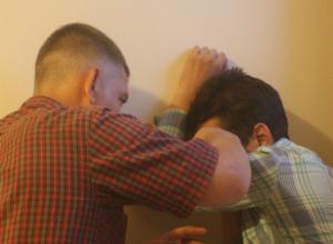 Избитым лицом и потерей связи закончились дружеские посиделки с молодым мужчиной для ростовчанина