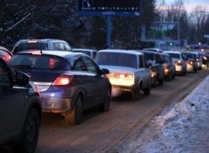В Ростовской области на границе с Кубанью из-за Олимпиады усилили контроль за въезжающим транспортом