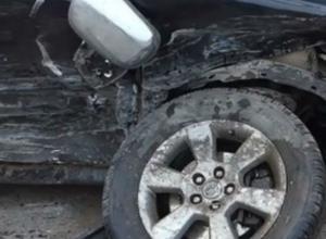 Двое дончан погибли в страшном ДТП, влетев в дорожную машину на трассе М-4 Дон в Ростовской области