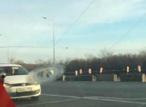 Сельчанам перекрыли единственную дорогу в Ростов: «теперь хоть через Краснодарский край ехать»