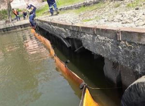 Огромное масляное пятно на Дону вынудило провести экстренную спецоперацию в Ростове