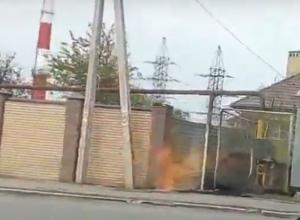 Огненный прорыв газовой трубы испугал жителей Ростова и попал на видео