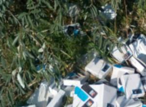 Гора распотрошенных коробок от сотовых телефонов на трассе под Ростовом бесследно исчезла