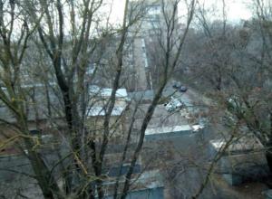 В обход норм возведут многоэтажку в пяти метрах от детского сада в Ростове
