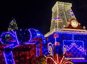 Более трехсот зданий в гирляндах будут создавать новогоднее настроение ростовчанам