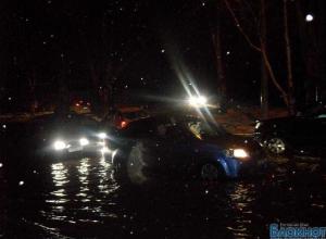 В Таганроге затопило одну из центральных улиц (ФОТО, ВИДЕО)