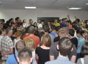 В Ростове студентов ЮФУ выселяют на улицу из общежития