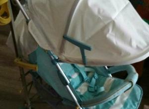 «Укатившаяся» из подъезда детская коляска забрала с собой уважение к людям у жительницы Ростова