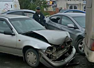 Смачное тройное ДТП с участием маршрутного такси произошло в Ростове