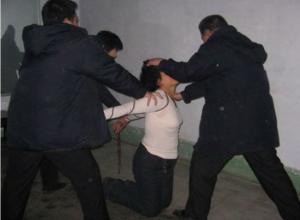 Групповое изнасилование похищенной у магазина в Ростовской области женщины совершили трое рецидивистов