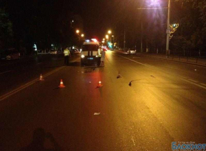 В центре Ростова скутерист насмерть сбил пешехода и скрылся с места ДТП