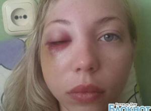 После драки в ростовском кафе «Рис» случайно пострадавшую девушку увезла «скорая»