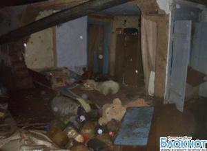 В Ростове из-за непогоды рухнула стена частного дома