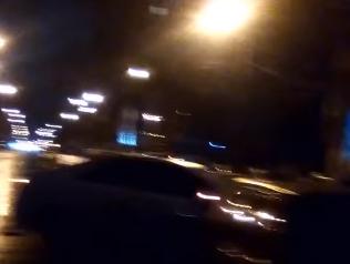 Массовую аварию с участием сразу четырех автомобилей спровоцировал сильный гололед в Ростове