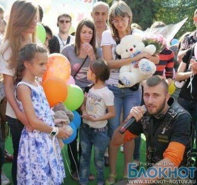 Сотни шаров запустили в небо в честь освобождения Даши Поповой