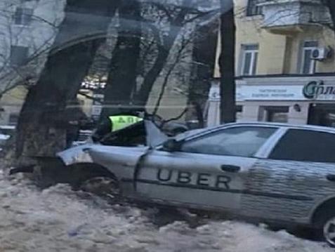 Юный 16-летний пассажир такси умер в Ростове
