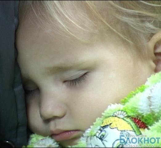 Нашлась мама 2-летней девочки, брошенной на остановке в Ростове