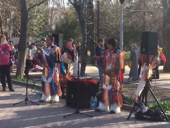 Индейцы сыграли для ростовчан «Деспасито» на Пасху